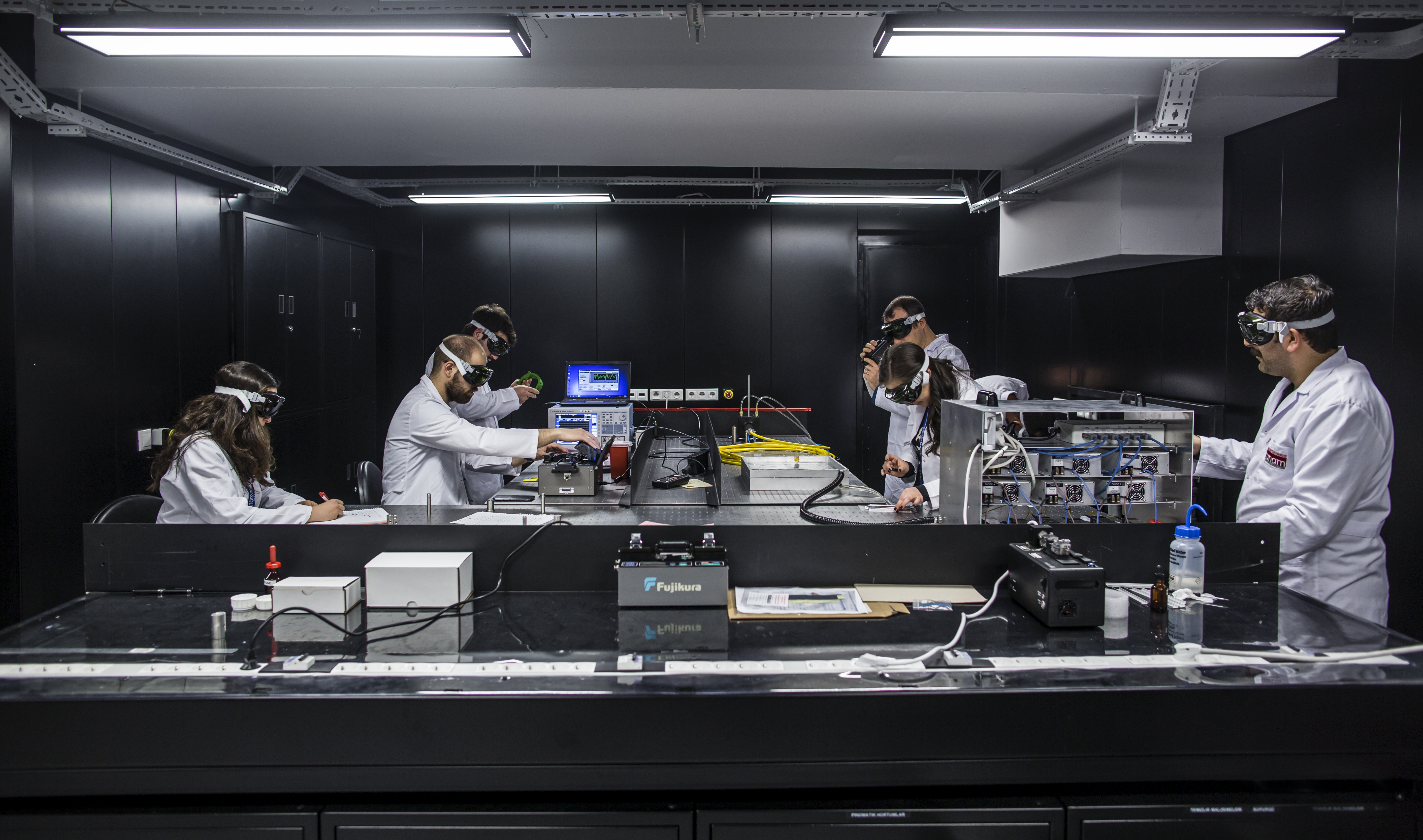 <h2>High Power Laser Laboratory</h2><div class='slide-content'></div><a href='http://www.ortacgroup.org/high-power-laser-lab/?customize_changeset_uuid=986d0b84-a912-4a0a-9ee9-35c380cbc388&customize_autosaved=on' class='btn' title='Read more'>Read more</a>